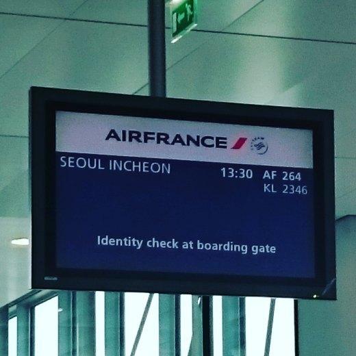 Aeroport Charles de Gaulle, Vol pour la Corée du Sud