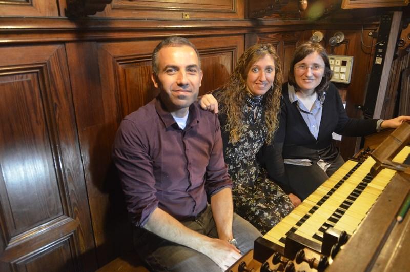 Loreto Aramendi et à la tribune de l'orgue Cavaillé-Coll du Sanctuaire de Saint Ignace de Loiola dans le village de Azpeitia