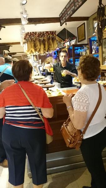 Bar à tapas près de la Basilica del coro de San Sebastian