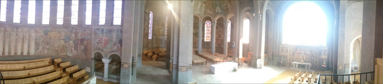 Intérieur de la Cathédrale de Nanterre Concert Willy Ippolito