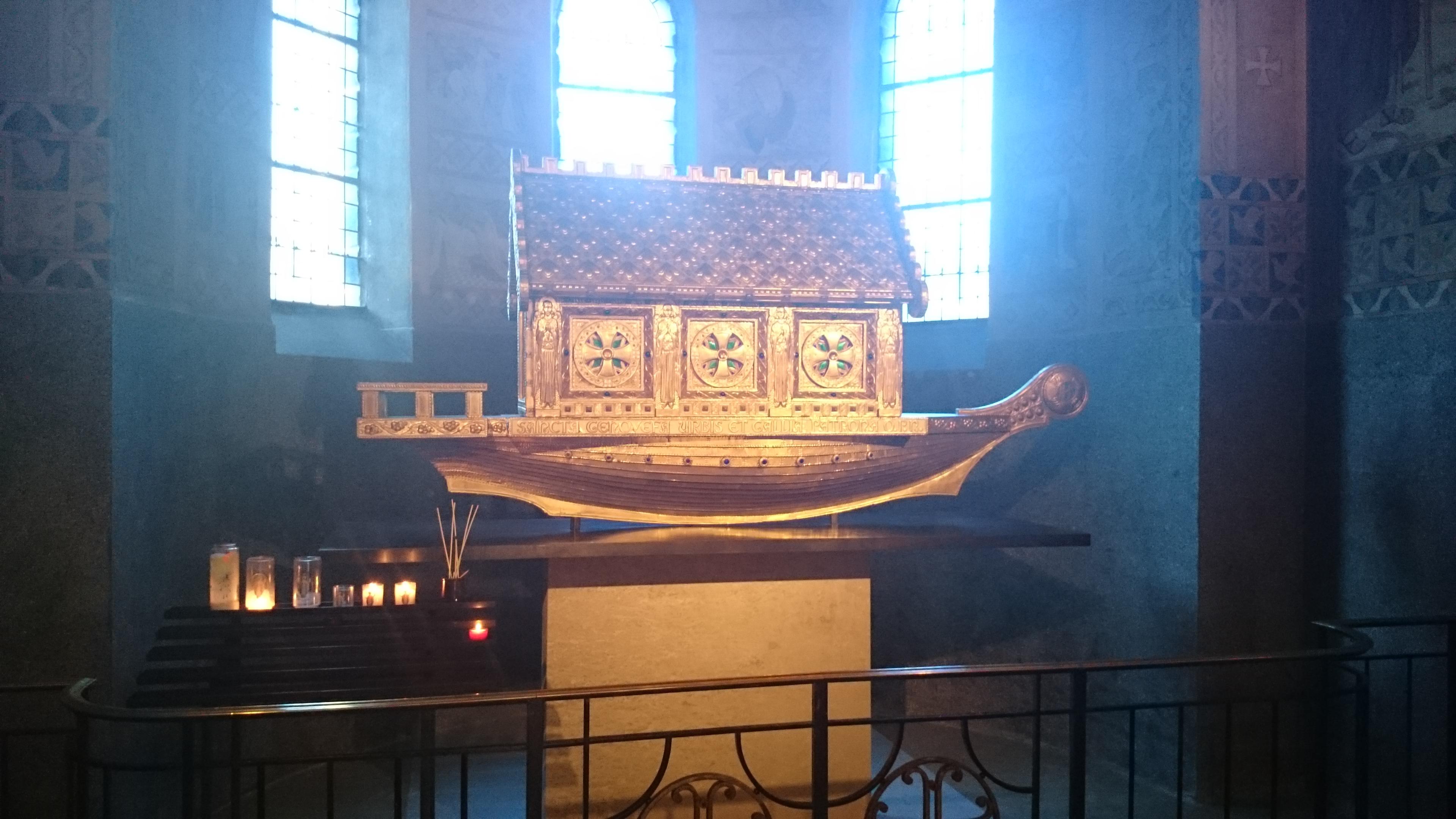 Interieur de la Cathédrale de Nanterre Concert Willy Ippolito